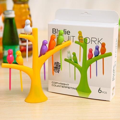 Drvo sa ptičicama - Moderne čačkalice za meze i voće u veselim bojama
